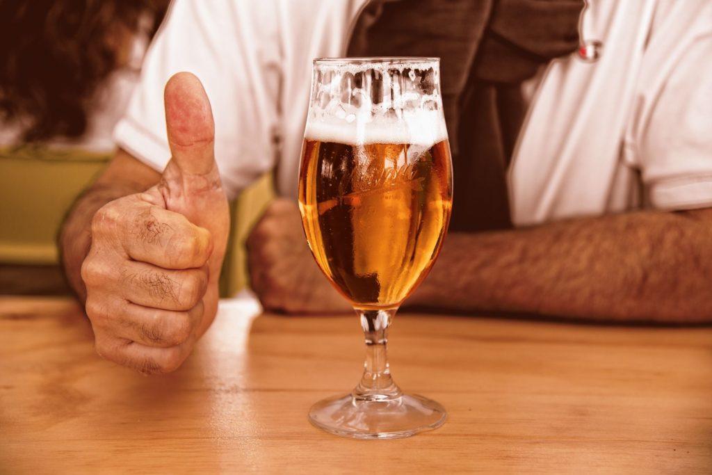 Glas mit Bier